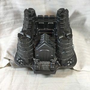 Castle bundt mold